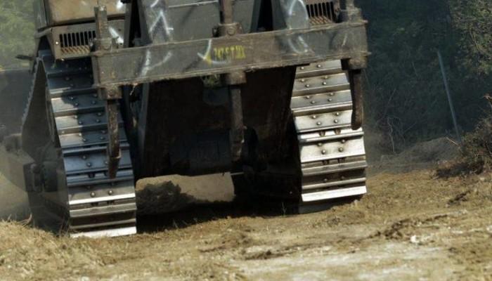 Τροχαίο με ερπυστριοφόρο όχημα του στρατού που προσέκρουσε σε τοίχο