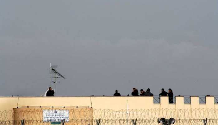 Προσπάθησαν να περάσουν με drone αντικείμενα στις φυλακές Τρικάλων