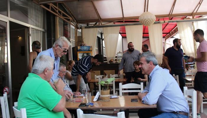 Σε περιοχές του Δήμου Πλατανιά συνέχισε τις επισκέψεις του ο Δημήτρης Φραγκάκης