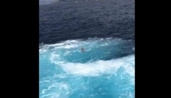 Ίμπιζα: Πήδηξε στη θάλασσα γιατί φοβήθηκε ότι θα συγκρουστούν τα φέρι μποτ (βίντεο)