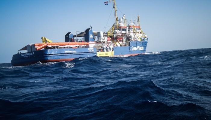 Ένταση στην Ιταλία με το πλοίο Sea-Watch όπου παραμένουν εγκλωβισμένοι μετανάστες