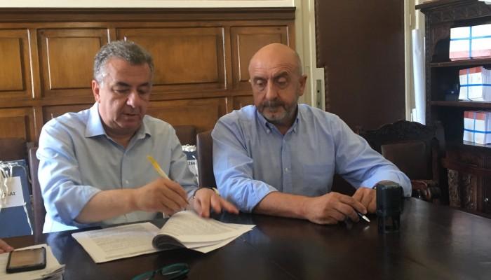 Έπεσαν οι υπογραφές για σημαντικά έργα στο οδικό δίκτυο του νομού Χανίων (φωτο)