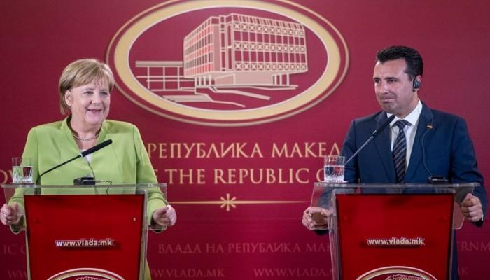 Η Μέρκελ συναντά στον Ζάεφ μετά το nein του Βερολίνου στη διεύρυνση της ΕΕ