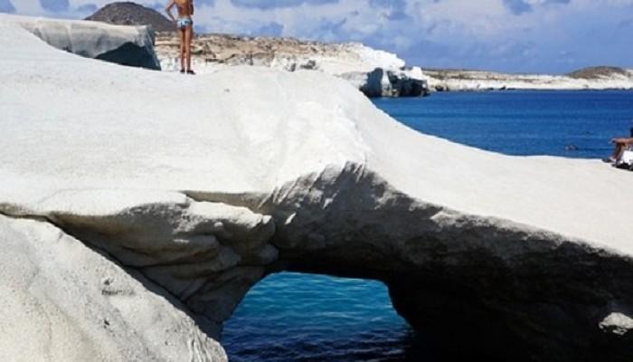 CNN: Μια ελληνική παραλία στις καλύτερες στον κόσμο για ταξίδια τον Σεπτέμβριο