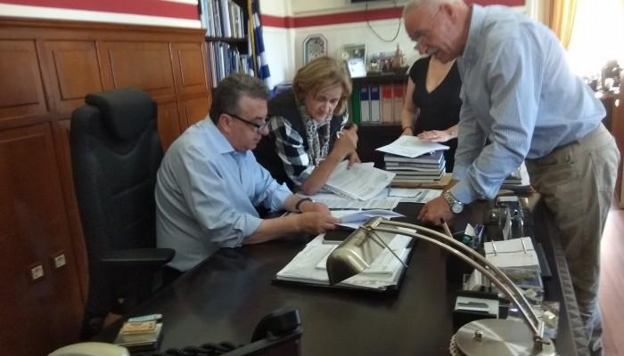 Υπογραφή σύμβασης για αντιπλημμυρικά έργα στα Χανιά