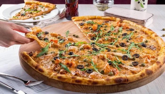 Δωρεάν πίτσα εάν δεν ασχολείστε με το κινητό σας όσο τρώτε!