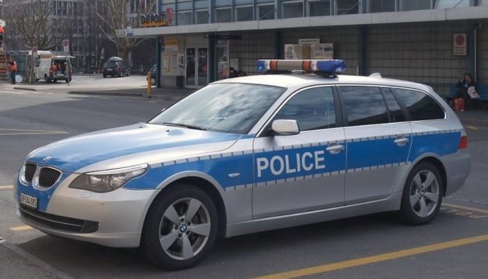 Προσποιήθηκαν τους αστυνομικούς και απέσπασαν 3,25 εκατ. ευρώ από μία γυναίκα