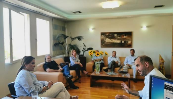Το Επιμελητήριο Χανίων επισκεφτηκε η Ντόρα Μπακογιάννη