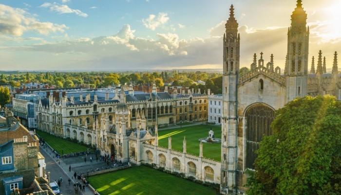 Πίστη και εκμετάλλευση της παράδοσης. Το παράδειγμα του Cambridge