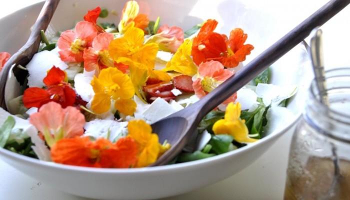 Γιατί απαγόρευσε το Ντουμπάι στα εστιατόρια να σερβίρουν φαγητά με λουλούδια;