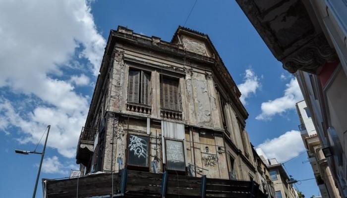 Προς κατεδάφιση 13 κτίρια στην Αθήνα
