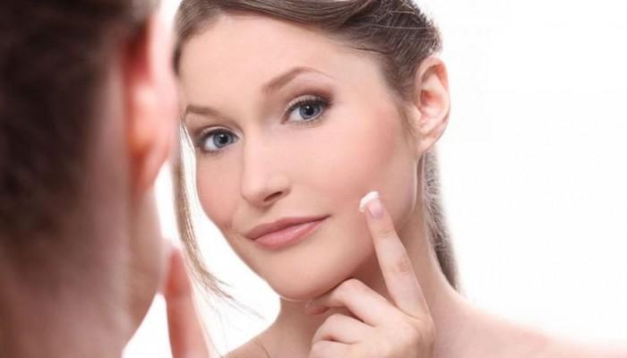 Γιατί πρέπει να εφαρμόζετε primer πριν το μακιγιάζ σας;
