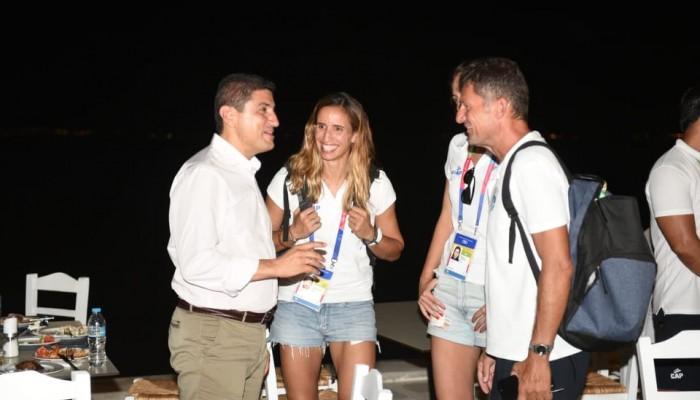 Τα μέλη της ελληνικής αποστολής των Παράκτιων Αγώνων επισκέφτηκε ο Λεύτερης Αυγενάκης