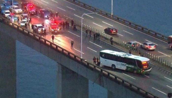 Ρίο Ντε Ζανέιρο: Σκοτώθηκε από την αστυνομία ο άνδρας που είχε ομήρους επιβάτες λεωφορείου