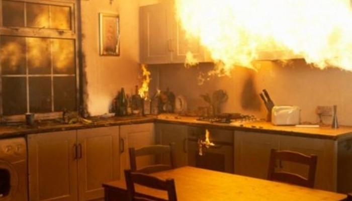 Σπίτι τυλίχτηκε στις φλόγες την ώρα που ο ιδιοκτήτης κοιμόταν