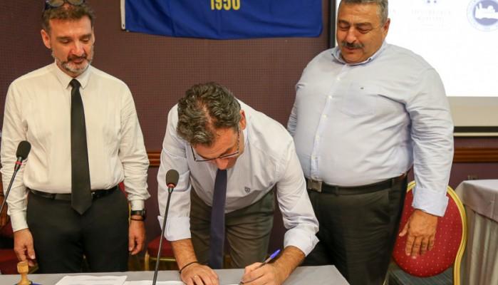 Υπογράφηκε η σύμβαση για το γήπεδο στα Τσικαλαριά