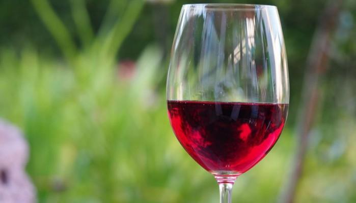 ΚΕΟΣΟΕ: Μειωμένη αναμένεται η παραγωγή οίνου σε Γαλλία και Ιταλία