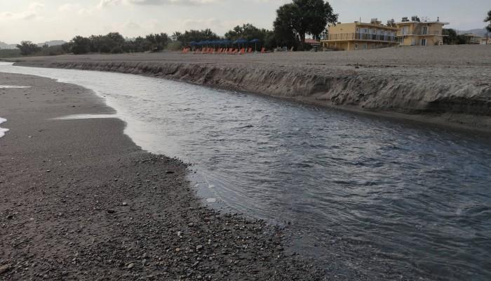 Μπορείτε να κολυμπήσετε σε αυτή την παραλία; Κι όμως βρίσκεται στα Χανιά (φωτο)