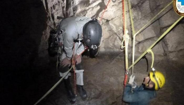 Πολωνία: Δραματική επιχείρηση διάσωσης δύο εξερευνητών – Εγκλωβίστηκαν σε σπηλιά