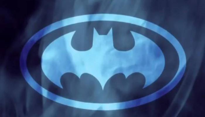 Το σύμβολο του Μπάτμαν εμφανίστηκε στον νυχτερινό ουρανό της Μασσαλίας
