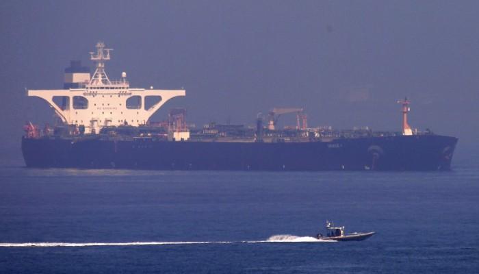 Θρίλερ με το ιρανικό τάνκερ που πλέει προς Καλαμάτα