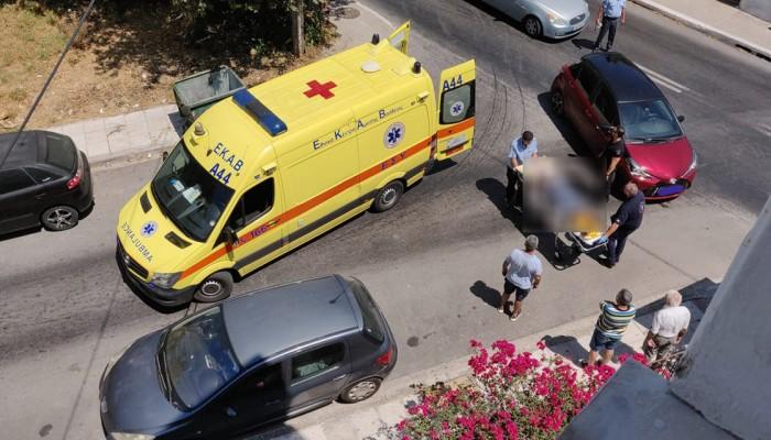 Τροχαίο ατύχημα σε κεντρικό δρόμο των Χανίων μεταξύ αυτοκινήτου και δικύκλου