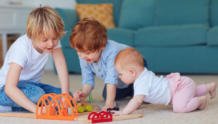 Γλωσσική ανάπτυξη παιδιού: Ο παράγοντας που την καθυστερεί