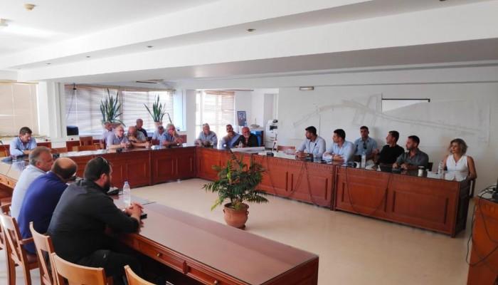 Συσκέψεις Υφυπουργού Αθλητισμού με τους Δημάρχους Φαιστού, Χερσονήσου και Μαλεβιζίου