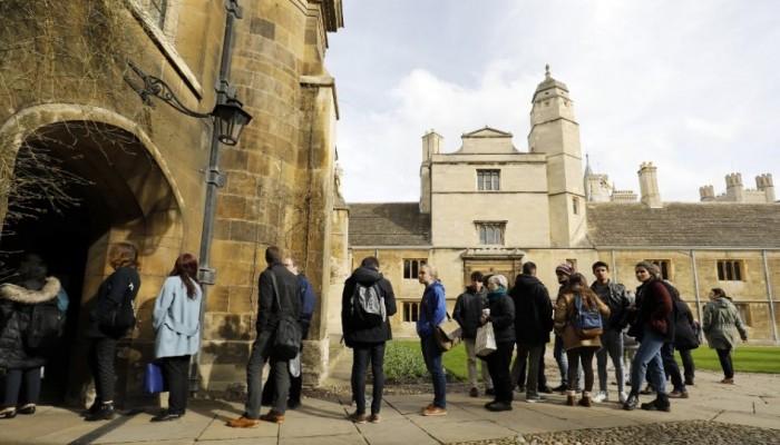 Τι αλλάζει για τους ξένους φοιτητές στη Βρετανία