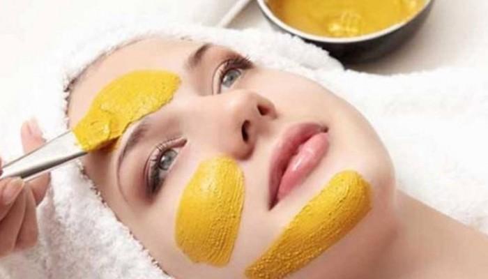 Μάσκα σύσφιξης προσώπου με μπανάνα
