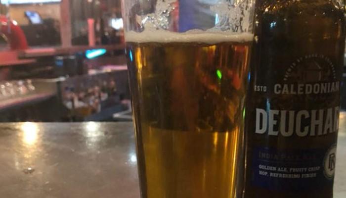 «Τύφλα να 'χει» η Μύκονος: Ξενοδοχεία στο Μάντσεστερ χρέωσε μπύρα 55.300 λίρες!