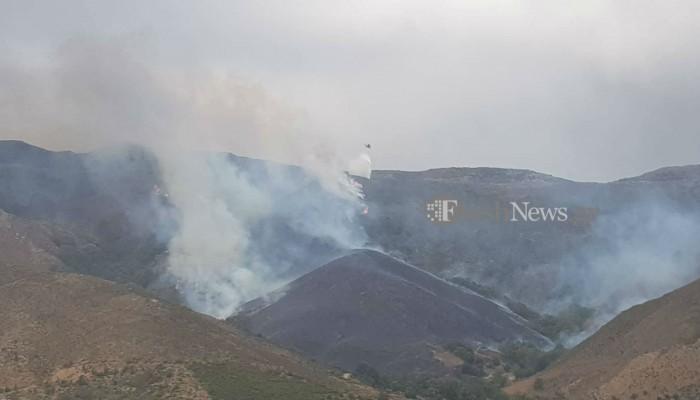 Υπό πλήρη έλεγχο τέθηκε η μεγάλη φωτιά κοντά στο  Αποπηγάδι στα Χανιά (φωτο)