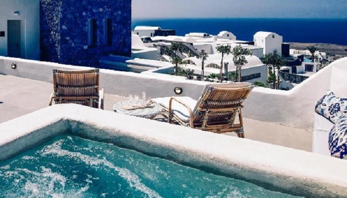 Αυτή η πισίνα ξενοδοχείου στην Ελλάδα είναι στις 9 καλύτερες πολυτελείας στον κόσμο!