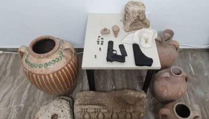 Η σύλληψη 59χρονου τα ξημερώματα αποκάλυψε φυλαγμένες αρχαιότητες στο σπίτι του