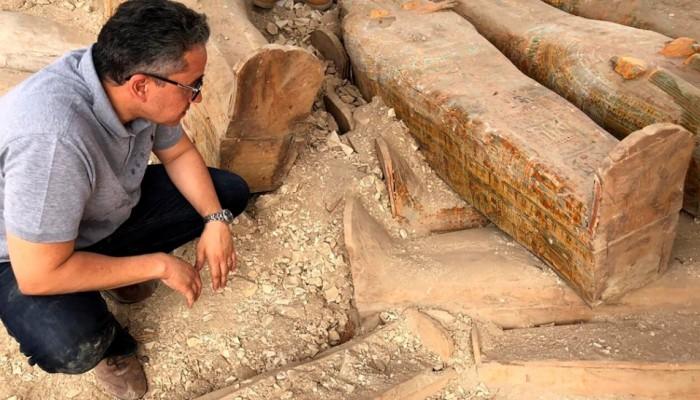 Αιγύπτιοι αρχαιολόγοι ανακάλυψαν 20 άθικτες σαρκοφάγους
