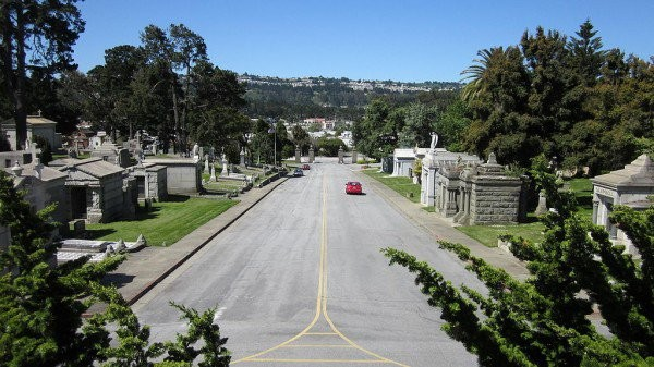 Η πόλη που οι νεκροί είναι 1000 φορές περισσότεροι από τους ζωντανούς!