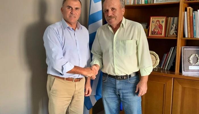 Ο Δήμος Ιεράπετρας δίπλα στους αμπελοκαλλιεργητές και τους παραδοσιακούς αποσταγματοποιούς