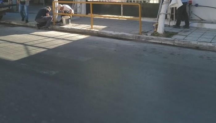 Εργασίες συντήρησης στην Πλατεία Μουρνιών – Σε εξέλιξη εργασίες οδοποιίας στον Δαράτσο