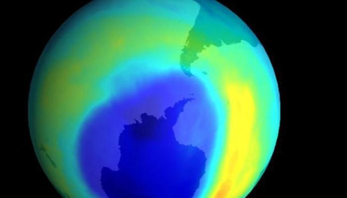 Η τρύπα του όζοντος συρρικνώθηκε το 2019 λόγω ανόδου της θερμοκρασίας από την Ανταρκτική