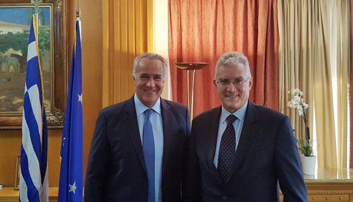 Συνάντηση Βολουδάκη με Βορίδη για «ελληνοποιήσεις», αποζημιώσεις, θερμοκήπια