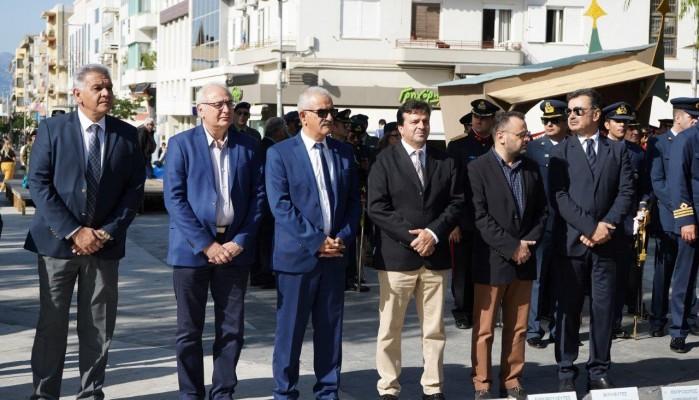 Με επιμνημόσυνη δέηση & κατάθεση στεφάνων τιμήθηκε η Hμέρα των Ενόπλων Δυνάμεων