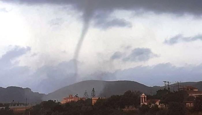 Ανεμοστρόβιλος στην Κουντούρα – Υδροστρόβιλοι στο Λαφονήσι (φωτο-βίντεο)