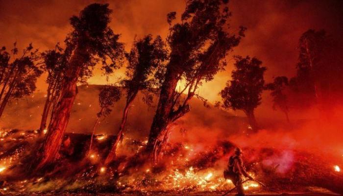 Κατασβέστηκε η μεγαλύτερη φωτιά που ξέσπασε φέτος στην Καλιφόρνια