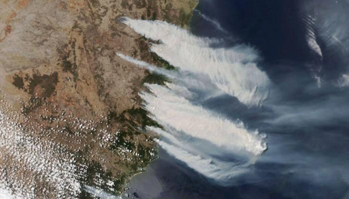 Έφτασαν στα προάστια του Σίδνεϊ οι φωτιές, δεν προλαβαίνουν να απομακρυνθούν οι κάτοικοι