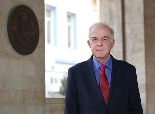 Ο Δήμαρχος Ηρακλείου δίνει το 50% του μισθού του για τον κορωνοϊό
