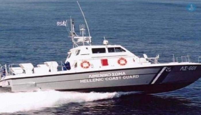 Το Υπουργείο Ναυτιλίας μελετά προσλήψεις στο λιμενικό λόγω προσφυγικών ροών
