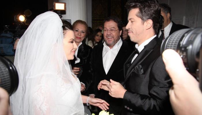 Όταν ο Χάρης παντρεύτηκε την μελαχρινή Αντελίνα: Δείτε τους ως γαμπρό -νύφη (φωτο)