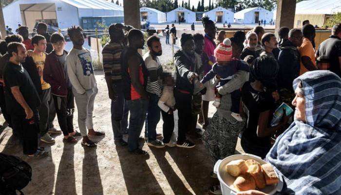 Βροντερό «όχι» στη Λέσβο για νέα δομή προσφύγων