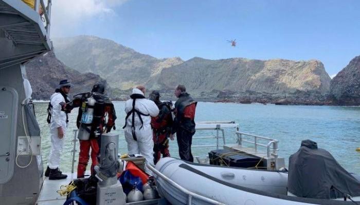 Νέα Ζηλανδία: Δύτες ψάχνουν πτώματα υπό τον φόβο νέας έκρηξης