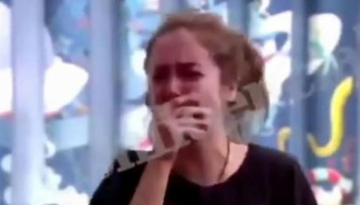 Παίκτρια του Big Brother δέχτηκε σεξουαλική επίθεση και η παραγωγή της έδειξε το βίντεο